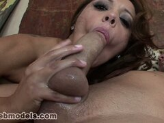 Busty babe�Francesca Le gives a hot blowjob and takes his load