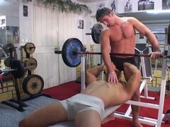 Gym workout turns into sizzling hot gay bareback workout