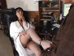Whore Victoria Sin has her tasty feet sucked on