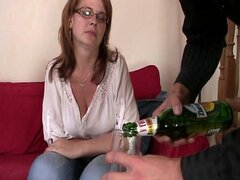 Drunk mom gets her snatch drilled