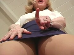 Nina Hartley erotic JOI