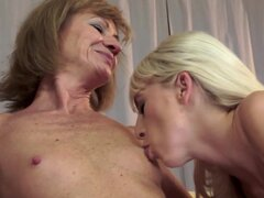 Two mature lesbians are licking pussies