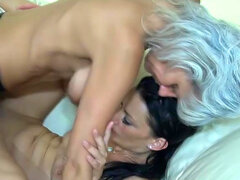Mature lesbians drills her partner with strapon