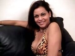 Latina MILF Exposes Her Booty