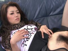 Horny Asian gal fucked with vegetables