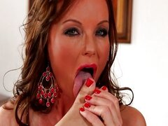 silvia saint foot play