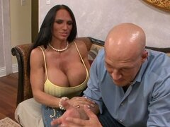 Super busty whore Lisa Lipps gives blowjob