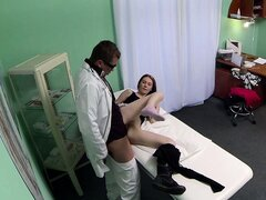 Fake doctor pussyfucking patient