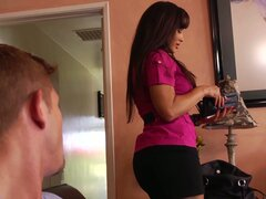 Desperate housewife Lisa Ann seduces the handsome guy...