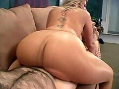 A gorgeous blonde MILF almost rubs her man out bouncing on top of his boner