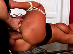 Sexy Susi gets fucked in her pussy on the glass table