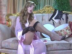 Rosa Gets Horny In Her Stockings and Gloves