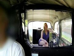 Amateur MILF with big ass sex in a taxi