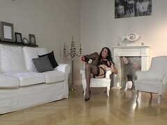 British MILF Lara Latex dressing up in FF nylon stockings