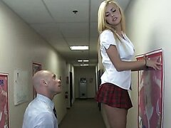 Blonde teeny slut Jessie Rogers gets school president position