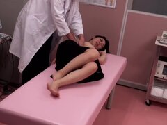 Pretty Japanese chick gets fucked by the gynecologist