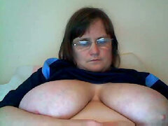 Bored BBW housewife shows me her giant on webcam