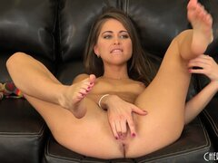 Riley Reid plays her sweet hairy bush like a fiddle, on the couch
