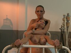 Mandy Bright makes lesbian love to Vivien Bianchy in a hospital