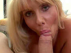 Cumshot for blonde mom to swallow
