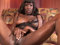 Milf ebony sex goddess likes interracial fuck