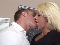 Stunning blonde Courtney Taylor loves mouth fucking