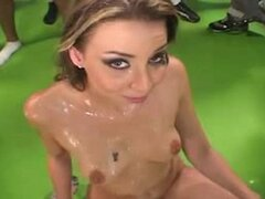 Delilah Strong Cum Bath