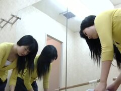 Teen in changing room shows nudity and exciting upskirt