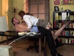 Sexy redhead needs to give the boss head in order to leave work early