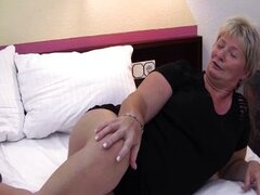 Fat mature housewife is horny and plays