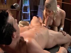Superb blond mommy marvellously fucked by thick cock