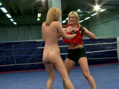 Hornifying blond MILF lies with legs split getting her snatch tongue fucked by horny lesbian