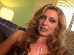Slender milf Kelle Marie is playing with her lovely puss