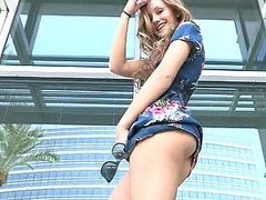 Hot Bombshell Masturbates Her Shaved Cunt Outdoors in Public