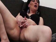 Experienced mature wife...