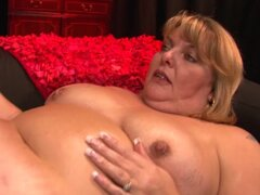 Curvy Sarah and Red Xxx are two chubby babes