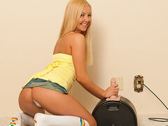 Glass dildo and Sybian