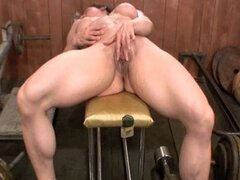 Alexis - DirtyMuscle - Big Clit Workout