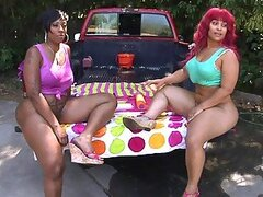 Super sexy carwash with heavy-assed and big-breasted ebony sluts