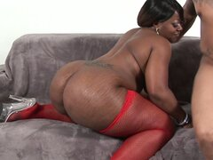 Obese ebony woman Brownie Delux gives nasty blowjob