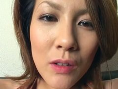 Extremely hot asian milf wants to help