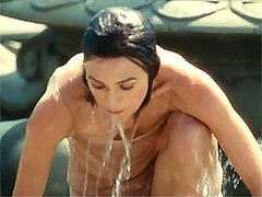 Hollywood hottie Keira Knightley dripping in wet in her movies