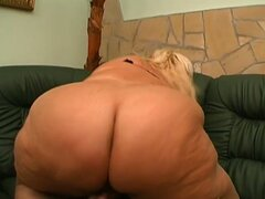 Pure BBW all-girl action
