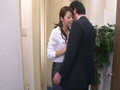 Japanese slut Maki Hojo sucks big cocks like a super whore