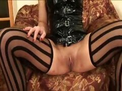 Mistress needs male face under her pussy