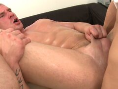 Muscle guy comes in for raw casting (4)