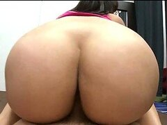Busty Cuban Girl Fucks a Cock Shaking her Bubble Booty