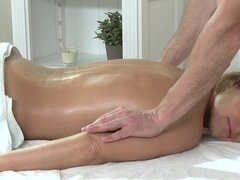Massage Rooms Hot MILF enjoys big oily fingers deep...