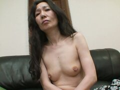 Skinny mature woman Nobue Toyoshima feels horny today