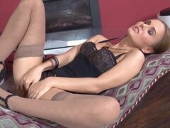 Newcummer Russian blonde playing with her long legs and fingering her pussy
